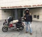 Un aventurero afincado en Navarra completa en Vespa la ruta Pamplona-Noruega