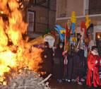 San Antón se rodea del fuego y de devoción