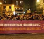 Multitudinaria protesta en Pamplona contra el asesinato de Blanca Esther Marqués