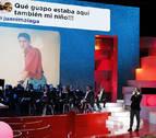 Dani Rovira cumple con el tiempo en una gala con orquesta y pocas alusiones políticas