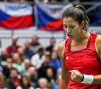 España planta cara a la campeona con un triunfo de Muguruza
