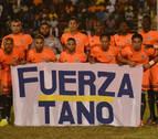 Un club dominicano le dedica su partido a Tano