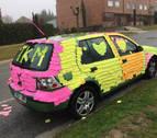 La dueña del coche forrado con post-it:
