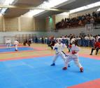 Las promesas navarras del karate compitieron en el polideportivo municipal