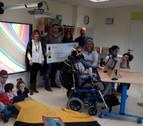 Esfutlag entrega a Aspace los 4.286 euros recaudados en el torneo benéfico