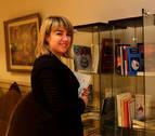 El Hotel La Perla cuenta con casi un centenar de libros firmados por sus autores