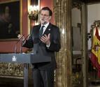 Rajoy se desmarca del PP y asume con