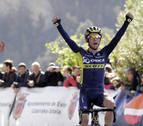 Simon Yates gana en solitario el Gran Premio Miguel Induráin