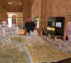 La maqueta del castillo de Estella 'dispara' las visitas a Santa María Jus
