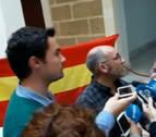 Polémica y abucheos en la visita del concejal Abaurrea (Bildu) a Cádiz