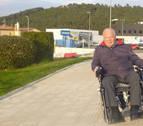 Advierten de la dificultad para las sillas de ruedas en el cruce de Sabeco