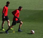 Osasuna y Sporting rivalizan sus males