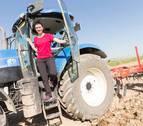 """María José Arrondo: """"Giraban la cabeza cuando empecé a llevar el tractor"""""""