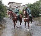 Evitan que el caballo huido de un peregrino acceda a la A-12 en Mañeru