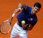 Djokovic despeja dudas ante Almagro en un exigente estreno en Madrid