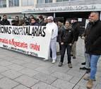 Trabajadores de Mediterránea de Catering se concentran en defensa de sus puestos
