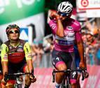 Gaviria suma su 'triplete' en el Giro con otro sprint