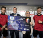 CaixaBank presenta la Visa Club Atlético Osasuna, la tarjeta oficial del Club