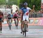Pinot se lleva la etapa al esprint y Quintana araña 15 segundos a Dumoulin
