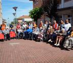 Paseos saludables en la residencia Solidaridad de Castejón