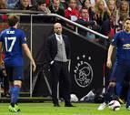 Peter Bosz entrenará a Merino en el Borussia Dortmund