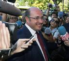 Sánchez insiste que no contrató con Púnica aunque se reunió con empresarios