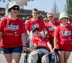 Practicando el 'retro running' en la II Marcha Solidaria de Aspace y Adacen