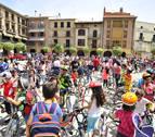Falces delega en los niños  la inauguración del carril bici que conecta con el colegio