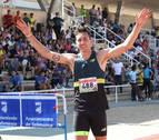 El navarro Sergio Fernández bate el récord de España bajo techo de 400 metros vallas