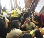 Protestas en Londres por la falta de respuestas tras el incendio