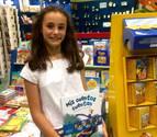 Una pamplonesa de 12 años firmó libros en la Feria de Madrid