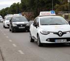 Unos 150.000 aspirantes esperan para examinarse del carné de conducir