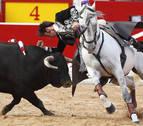El rejoneador Roberto Armendáriz se fractura la tibia y el hombro