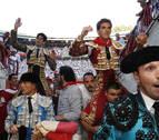 Dos orejas para López Simón y Ginés Marín, que sustituirá a Roca Rey