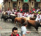 'Palmero' embiste y cornea en Santo Domingo en un encierro peligroso y con caídas de los Núñez del Cuvillo