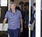 Villar y su hijo salen de la cárcel de Soto del Real