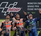 Márquez, Pedrosa y Viñales homenajean a Ángel Nieto con un triplete en MotoGP