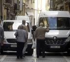 El caos de la carga y descarga en el Casco Viejo de Pamplona