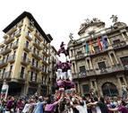'Castells' y bailes en Pamplona en homenaje a 'Setas'