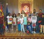 Alba recibe a niños saharauis que pasan el verano con familias de acogida navarras