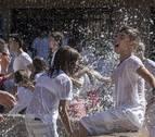 Inicio de fiestas pasado por agua y pacharán en Dicastillo