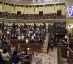 Ana Pastor regaña a los diputados por hacer fotos en el Pleno del Congreso