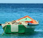 Una barca de pesca de Roses sube un cadáver en sus redes