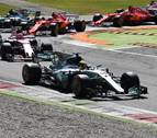 Hamilton toma el liderato del Mundial tras ganar en Monza