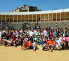 Jóvenes ante becerras en Tudela por solidaridad