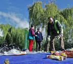 Una jornada dedicada a limpiar las orillas del Arga