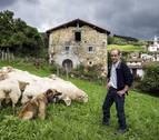 El navarro Antonio Alustiza, la leyenda de los guías de perros pastor