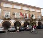 Prenden fuego a la bandera de España del ayuntamiento de Cortes