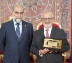 El pediatra pamplonés Jesús Elso Tartas, galardonado con el premio Sánchez Nicolay