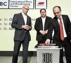 Junqueras presenta las urnas y garantiza